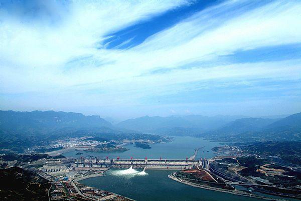 长江三峡大坝全景
