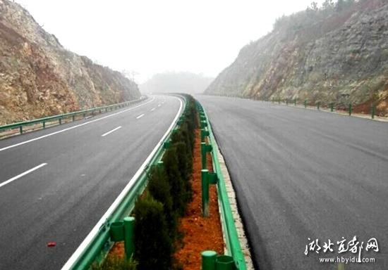网 记者近日从宜张高速公路建设指挥部获悉,作为宜张高速公路项